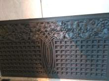 article 32-photo 5-10 01 2019_front entrance hall_radiator cover