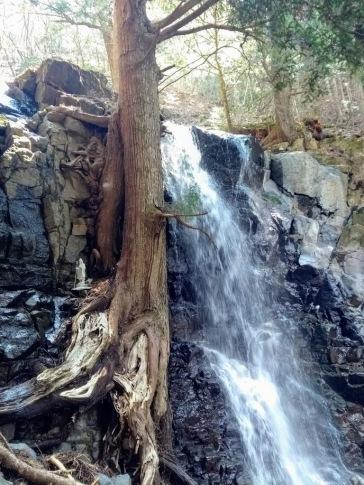 Article 100-photo 2-07 04 2020_Haha no Shirataki falls