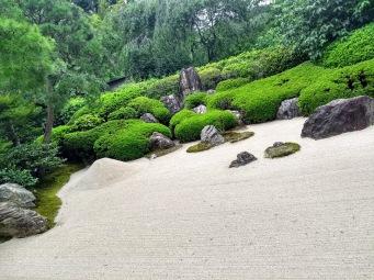 Article 117-photo 13-22 06 2020_Karesansui_Temple Meigetsu-in_Kamakura